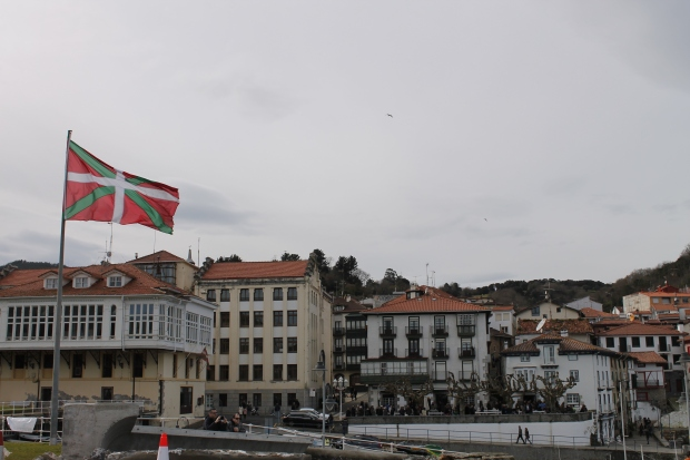 Mundaka and the Basque flag