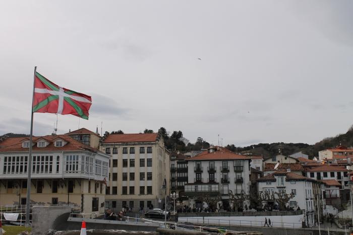 Mundaka and the Basque flag
